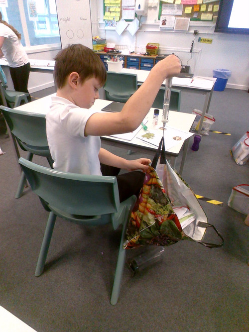 3__We_loved_using_the_Newtonmeters_to_measure_the_weight_of_various_objects_